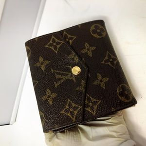 Louis Vuitton Bags - Louis Vuitton Elise Monogram Small Vintage wallet